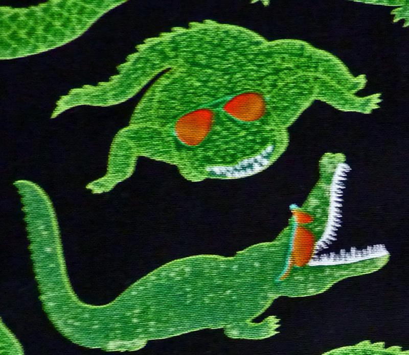 Kleinesbild - ✂ Patchworkstoff Meterware Reef Madness Krokodile - grüne Krokodile auf schwarzem Grund