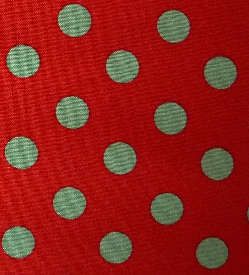 Kleinesbild - ✂ Patchworkstoff Meterware Tante Ema grüne Punkte auf roten Hintergrund