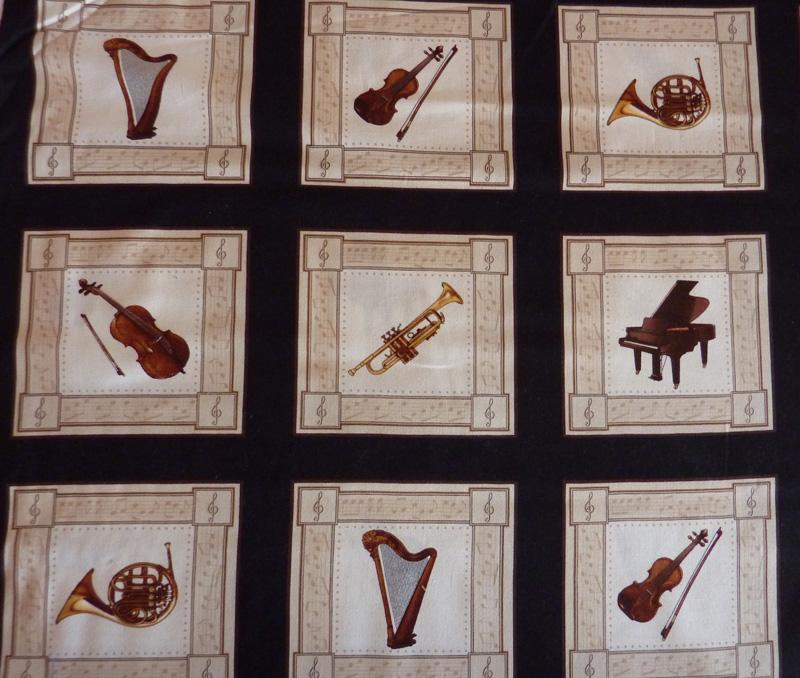 - ✂ Patchworkstoff Meterware  ein Panel mit Musikinstrumenten - ✂ Patchworkstoff Meterware  ein Panel mit Musikinstrumenten