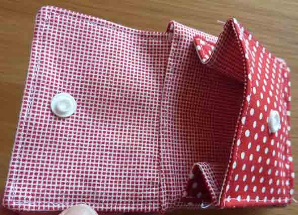 Kleinesbild - ✂ Materialpackung mit Anleitung für Geldbeutel im Quadrat in rot oder blau