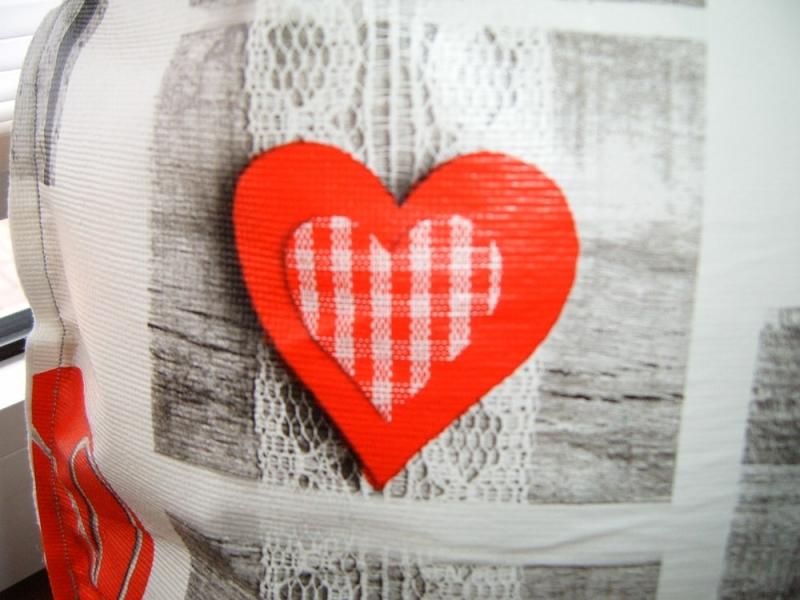 Kleinesbild -   Wachstuchkissen, Dekokissen, Gartenkissen,  Palunduglück&liebe  Herzliches Rot