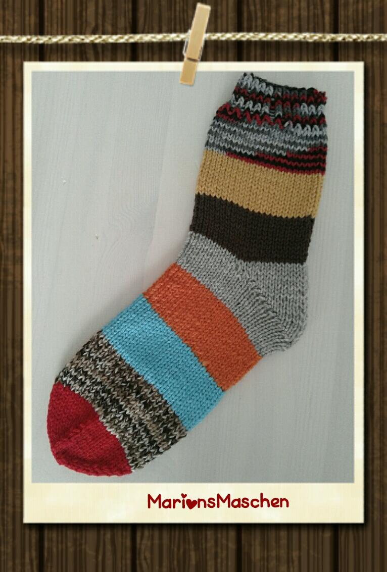 Kleinesbild - Handgestrickte Socken für jung und alt - kunterbunt