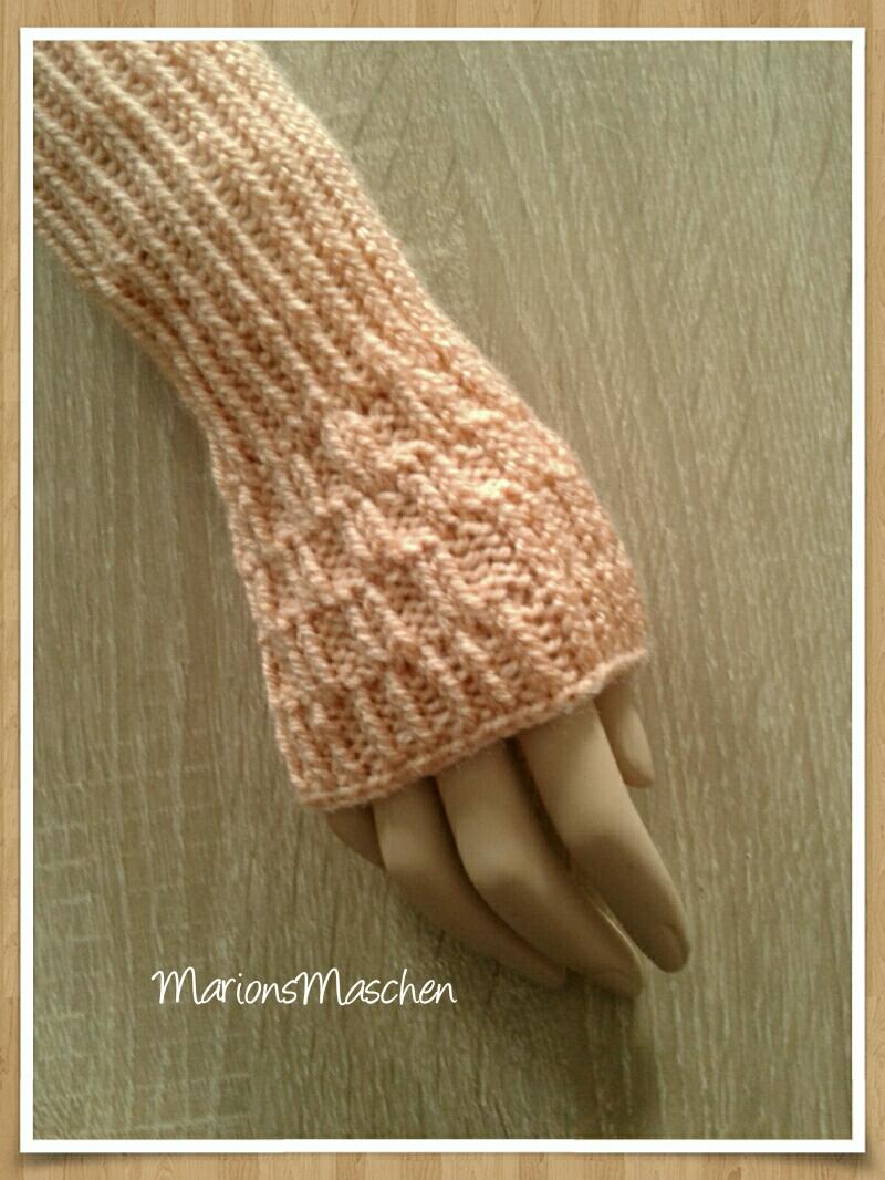 Kleinesbild - Arm- und Handstulpen in aprikot • handgestrickt mit ❤