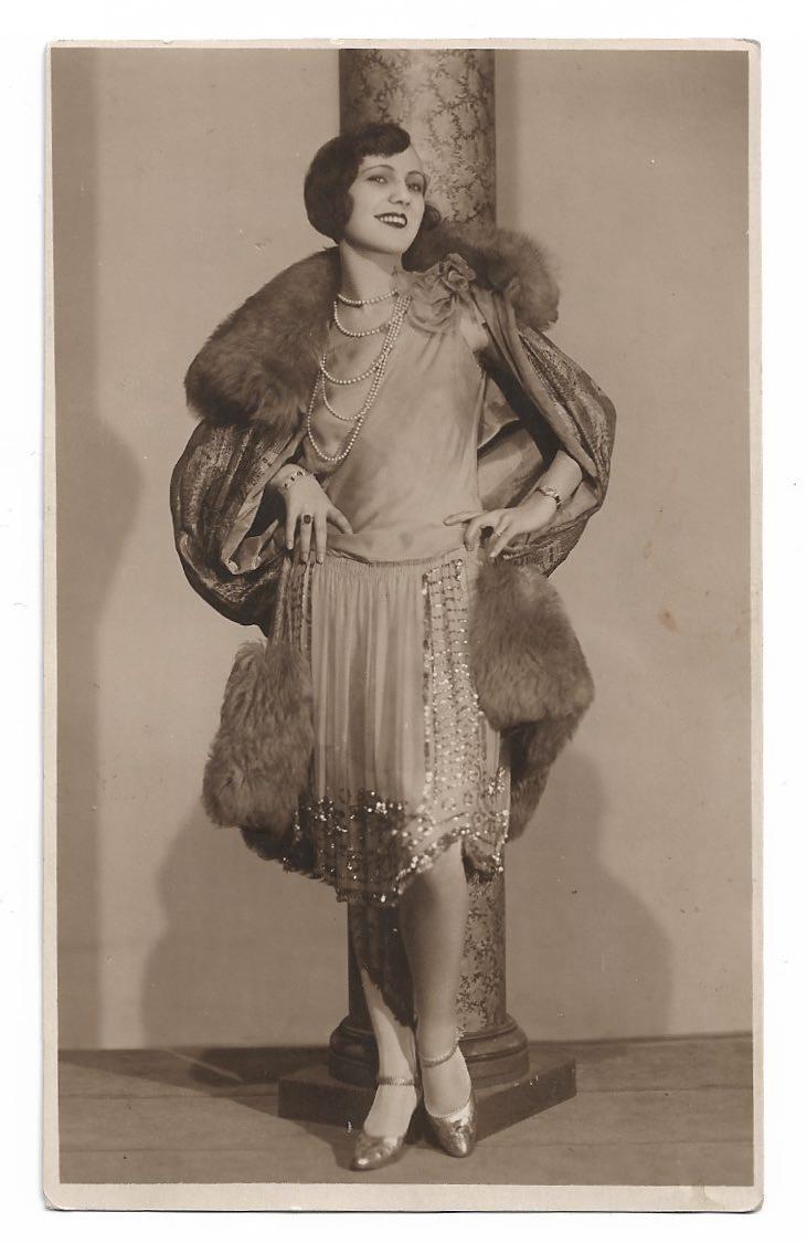Vintage Papier & Schreibwaren : Alte Foto Postkarte ☆ FEMME FATALE ...