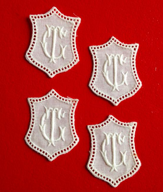 -   ★ GT/TG  MONOGRAMME ANTIK  ★ 4 Stück gestickte weiße vintage Buchstaben Wäschezeichen zum Aufnähen     -   ★ GT/TG  MONOGRAMME ANTIK  ★ 4 Stück gestickte weiße vintage Buchstaben Wäschezeichen zum Aufnähen