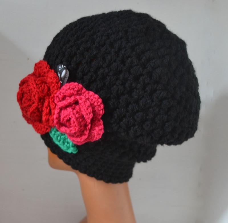 Kleinesbild - Häkelmütze Beanie Schwarzwald Rose in schwarz mit Slounch