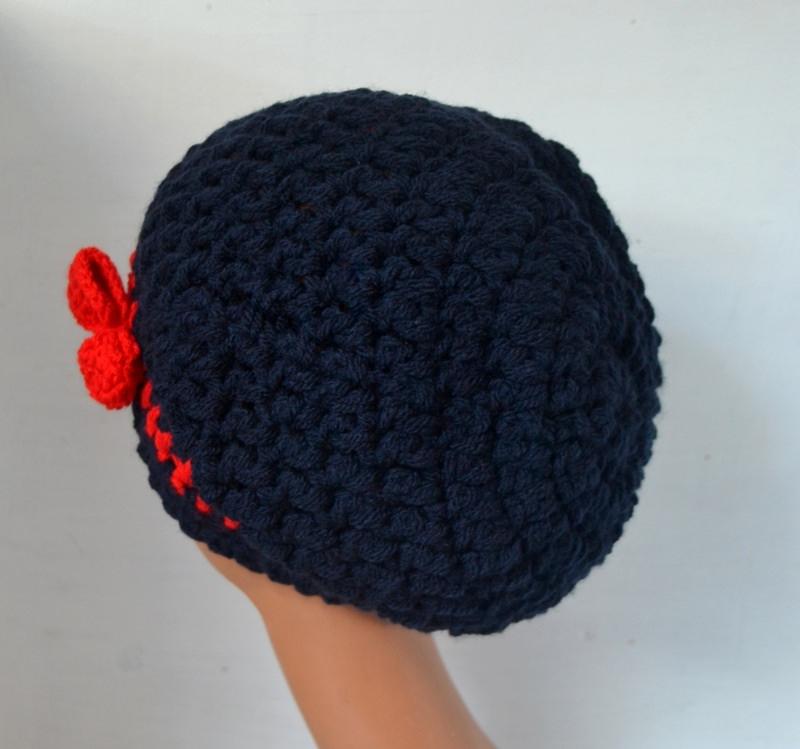 Kleinesbild - Häkelmütze Beanie Streifen Schleife blau und rot