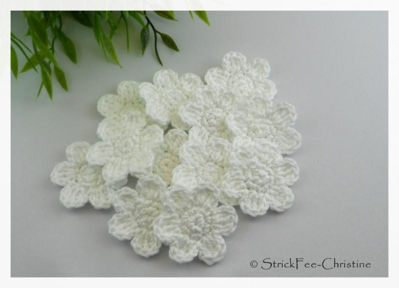 """- Häkelapplikation, Aufnäher, """"Blume 4 Stück weiß"""" gehäkelt - Häkelapplikation, Aufnäher, """"Blume 4 Stück weiß"""" gehäkelt"""