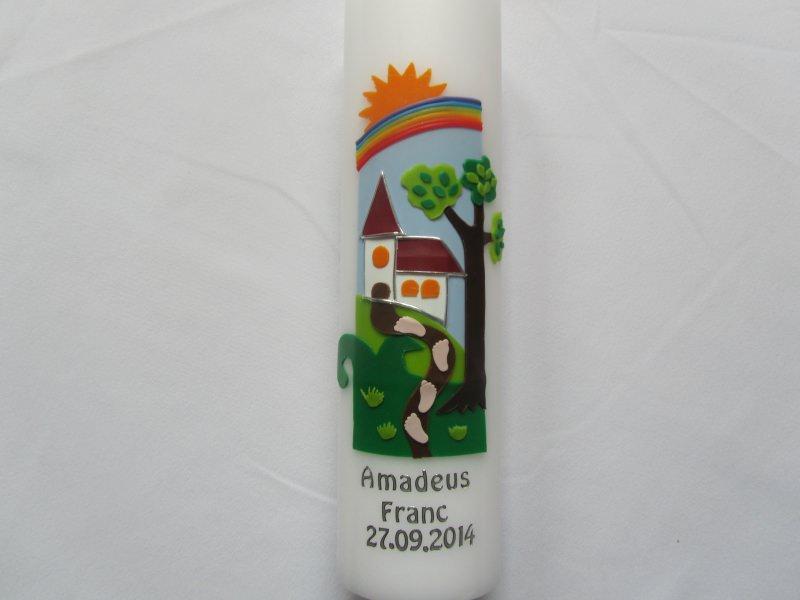- Farbenfrohe Taufkerze mit Weg und Kirche - Farbenfrohe Taufkerze mit Weg und Kirche