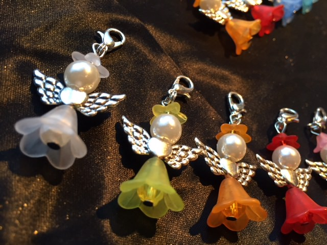 Kleinesbild - 25 x Perlenengel bunt Glücksbringer Schutzengel Gastgeschenk Hochzeit Taufe Kommunion Konfirmation