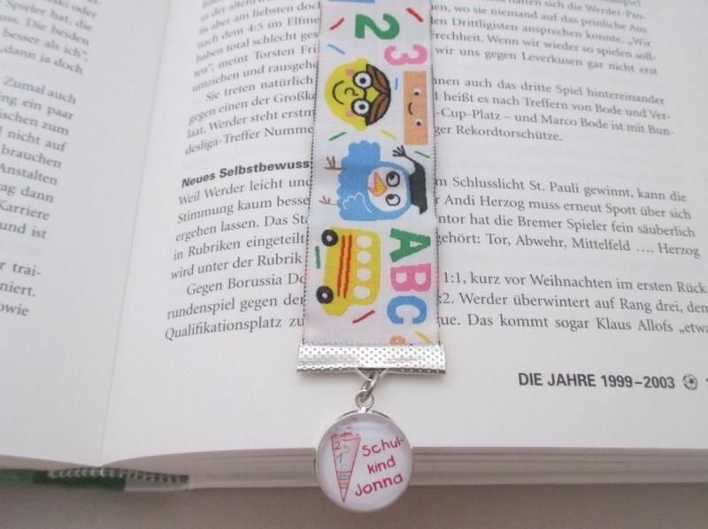 - Lesezeichen zum Schulanfang mit Wunschnamen und -motiv - Lesezeichen zum Schulanfang mit Wunschnamen und -motiv
