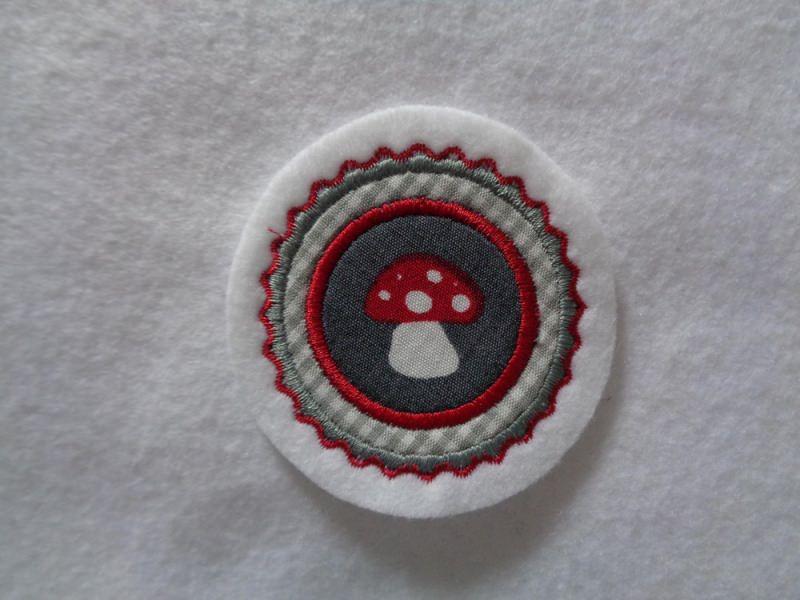 Kleinesbild - Mini-Button Pilz ♥ Applikation ♥ Aufnäher♥ grau  (Kopie id: 100130789)
