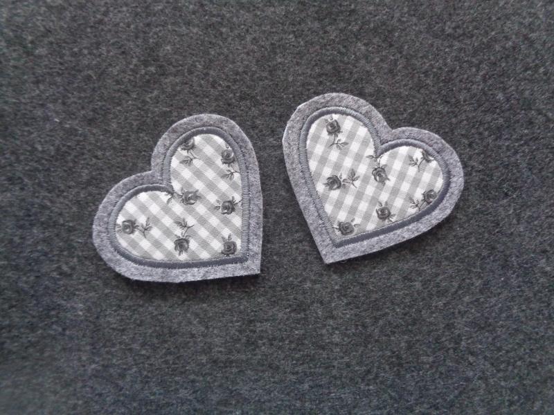 Kleinesbild - ♥ Applikation ♥ 2 kleine Herzchen ♥ Aufnäher oder zum Aufbügeln