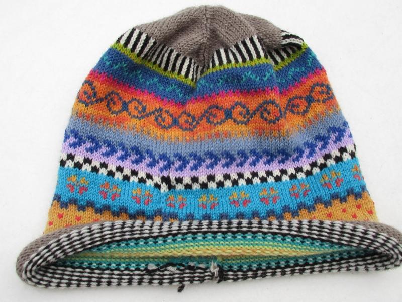 Kleinesbild - Bunte Mütze Gr. S - gestrickte Mütze in leuchtend bunten Farben und nordischen Fair Isle Mustern