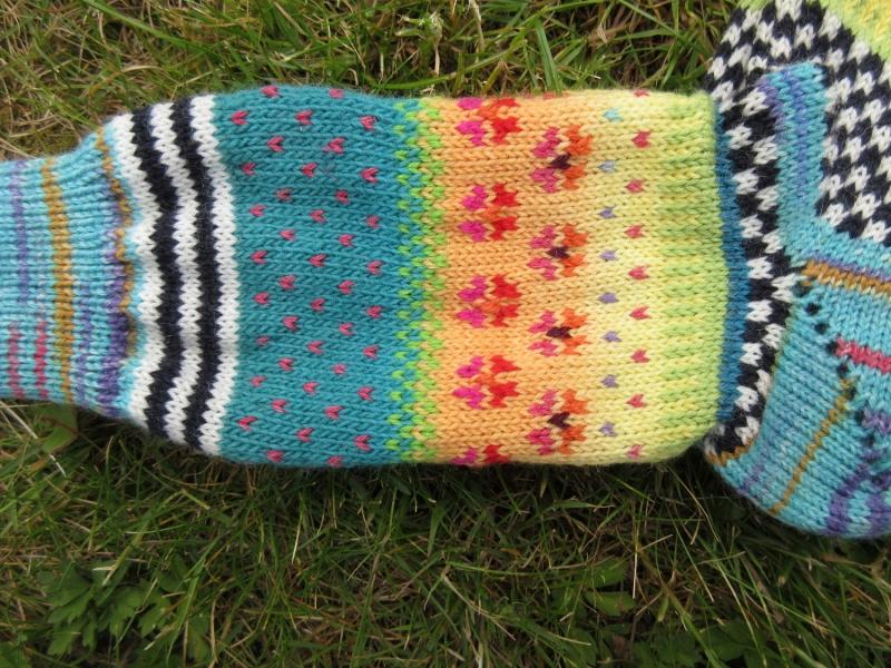 Kleinesbild - Bunte Socken Gr. 38/39 - gestrickte Socken in nordischen Fair Isle