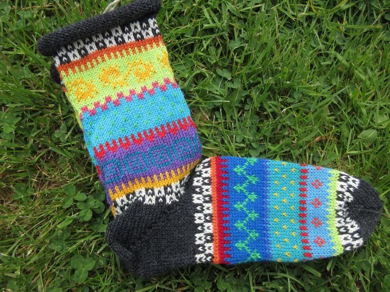 Kleinesbild - Bunte Socken Gr. 38-39 - gestrickte Socken in nordischen Fair Isle Mustern