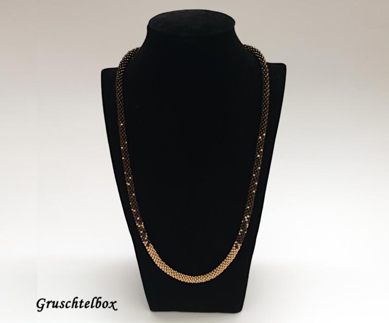 - Kumihimo Halskette , 58 cm, grünmetallic gold gemustert - Kumihimo Halskette , 58 cm, grünmetallic gold gemustert