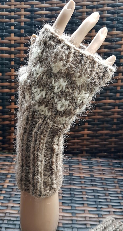 - Warme Armstulpen aus Islandwolle***beige-weiß***onesize    - Warme Armstulpen aus Islandwolle***beige-weiß***onesize