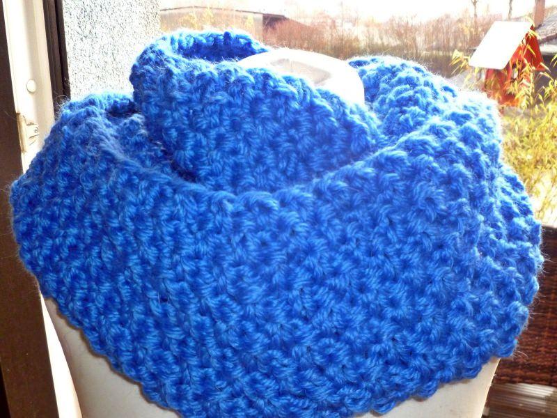 - Dicker voluminöser Loop mit Alpaka in königsblau - Dicker voluminöser Loop mit Alpaka in königsblau
