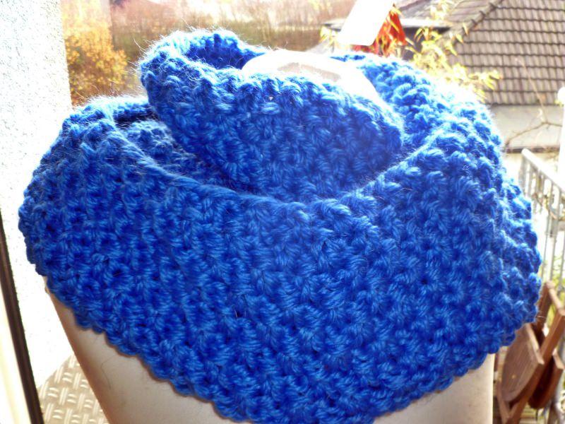 Kleinesbild - Dicker voluminöser Loop mit Alpaka in königsblau