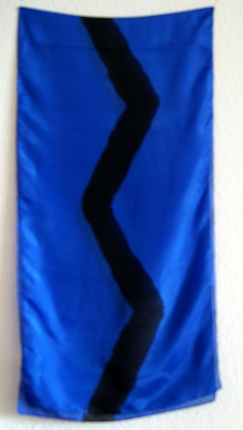 - Seidenschal - ROYALBLAU mit schwarzer Zick-Zack-Linie - ca.45x180cm - Seidenschal - ROYALBLAU mit schwarzer Zick-Zack-Linie - ca.45x180cm