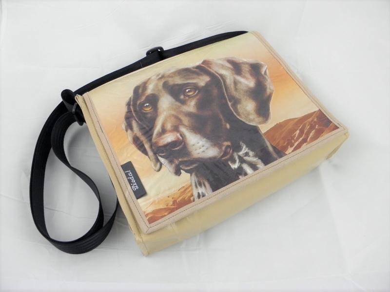 - Hingucker! Tasche aus LKW-Plane mit Hundekopf, beige, Plane, Hundetasche, Labrador, Upcycling, robust, wasserabweisend, Unikat von Dieda! - Hingucker! Tasche aus LKW-Plane mit Hundekopf, beige, Plane, Hundetasche, Labrador, Upcycling, robust, wasserabweisend, Unikat von Dieda!