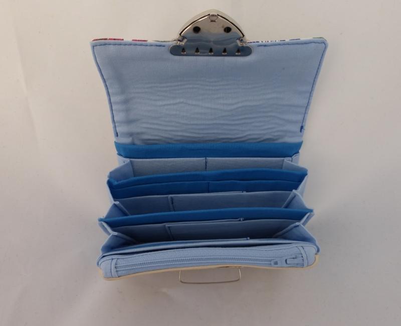 Kleinesbild - Geldbörse, Kunstleder, beige und Blumen, hellblau, 12 Kartenfächer, Geldbeutel, little Ruby, handgemacht von Dieda