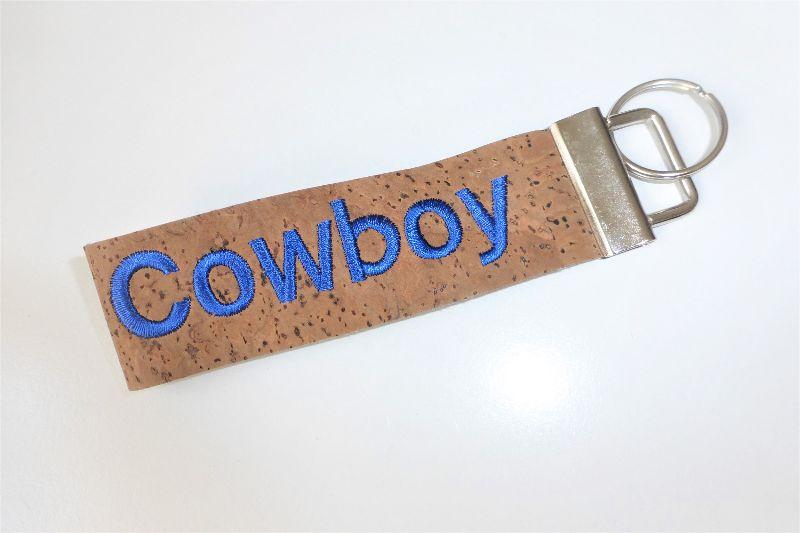 - 1 Schlüsselband aus Korkstoff, bestickt mit Cowboy, für Pferdeliebhaber, Reiter, Westernreiter, 3 cm breit, handgemacht von Dieda - 1 Schlüsselband aus Korkstoff, bestickt mit Cowboy, für Pferdeliebhaber, Reiter, Westernreiter, 3 cm breit, handgemacht von Dieda