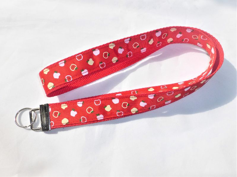 - Schlüsselband lang in rot mit Ripsband Apfel, zum Umhängen 50cm lang, Gurtband - Schlüsselband lang in rot mit Ripsband Apfel, zum Umhängen 50cm lang, Gurtband