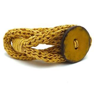 Kleinesbild - Armband Knopf Gewürzfarbe Curry Trend Strickschmuck Armreif