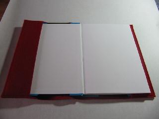 Kleinesbild - Hülle aus  rotem Filz bestickt Terminkalender incl. Stick Motiv 3 Federn