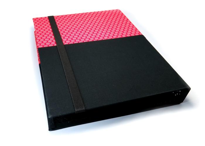 Kleinesbild - Milo-Schaly Organizer A4 Schreibmappe Ordner Ringbuch Blümchen Filz vegan rot weiß schwarz Ringbuchordner