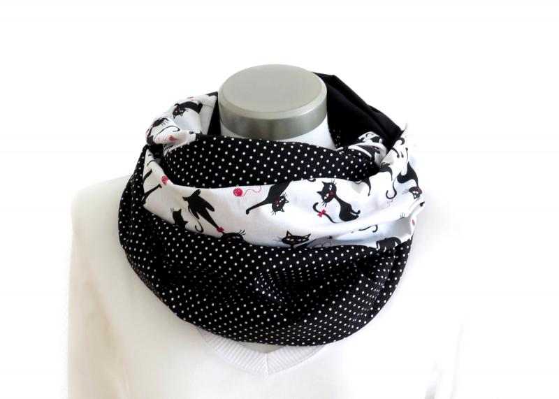 Kleinesbild - Milo-Schaly   XXL Loop Stillloop Stillschal extrabreit Baumwolle Katzen Punkte weiß schwarz