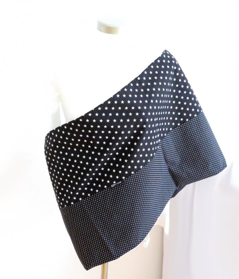Kleinesbild - Milo-Schaly XXL Loop Stillschal extrabreit Schlauchschal Baumwolle Punkte Sterne schwarz-weiß