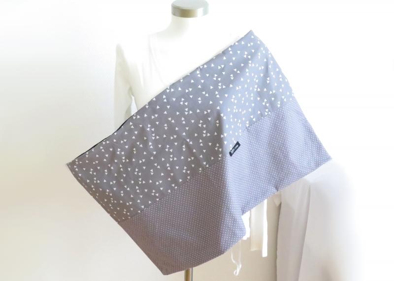 Kleinesbild - Milo-Schaly XXL Loop Stillschal extrabreit Schlauchschal Baumwolle Dreiecke Punkte grau-weiß triangle