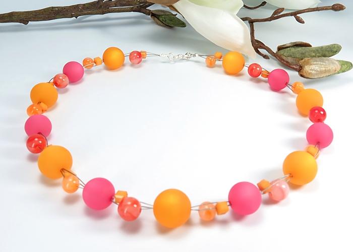 Kleinesbild - Kayleigh-und-Sorrow  Kette kurz Einzelstück Collier orange pink Halskette