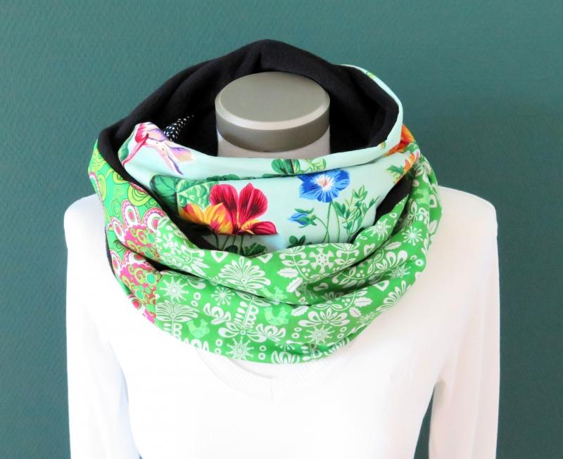 Kleinesbild - Milo-Schaly Loopschal Damen Blumen grün bunt Fleece Einzelstück  Loop Schlauchschal