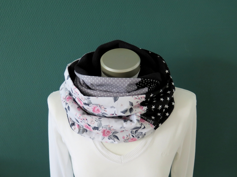 Kleinesbild - Milo-Schaly Loopschal Damen Rosen Romantik weiß grau Loop Fleece Schlauchschal