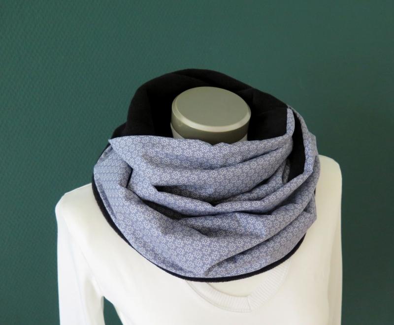 Kleinesbild - Milo-Schaly Loop Miniblümchen grau weiß Fleece Loopschal Kuschelschal