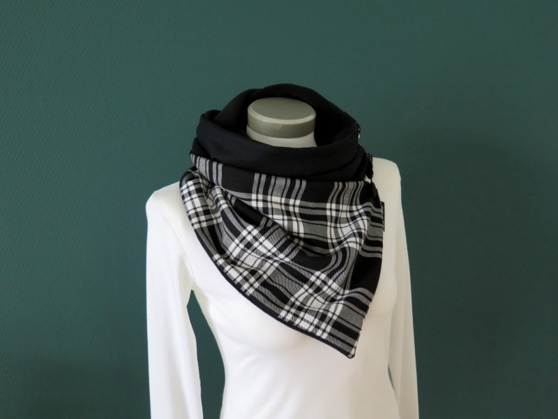 Kleinesbild -  Milo-Schaly  Wickelschal mit Knopf Damen Schottenkaro Schal  schwarz weiß Knopfschal