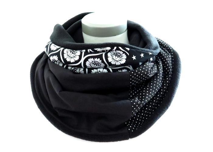 Kleinesbild - Milo-Schaly Loopschal Blumen schwarz weiß Fleece Einzelstück  Loop Schlauchschal Kuschelschal Schal