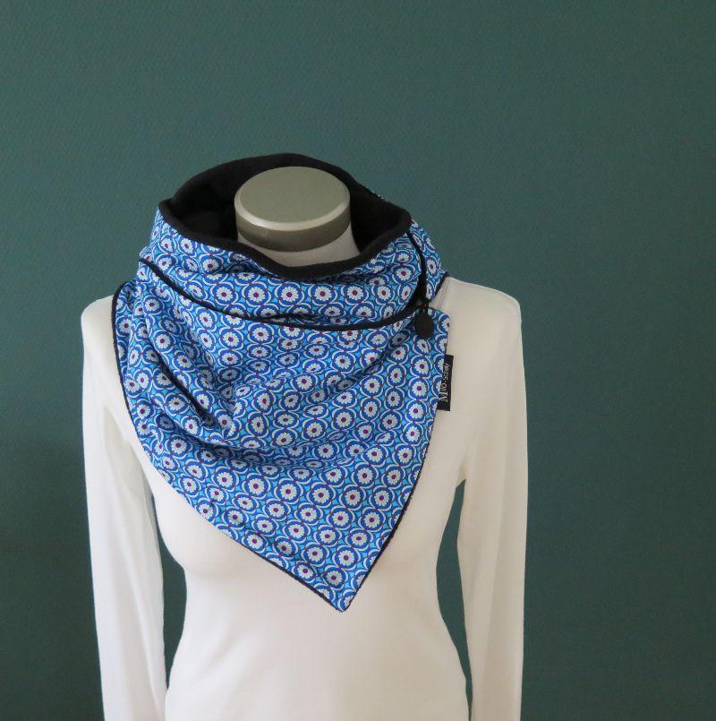 Kleinesbild - Milo-Schaly Wickelschal mit Knopf daisy blau weiß Blümchen Damen Schal Fleece Knopfschal