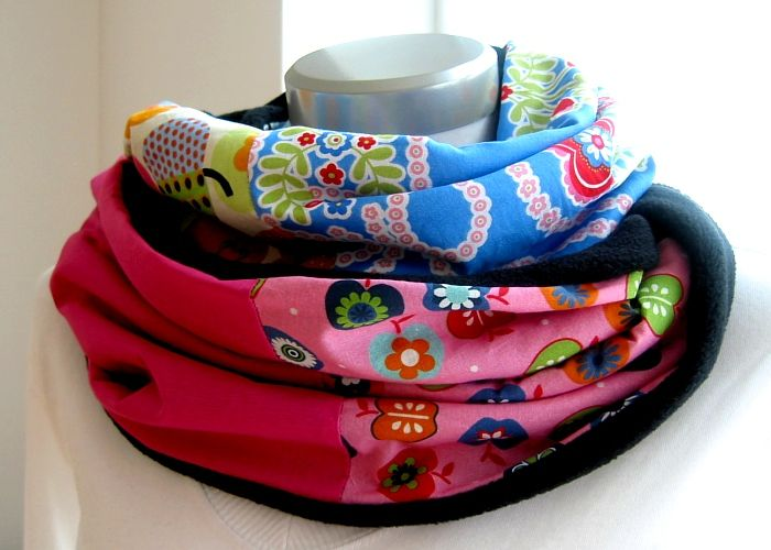 Kleinesbild - Milo-Schaly Loopschal blau pink bunt Äpfel Blumen Fleece Einzelstück Loop Damen warmer Schal