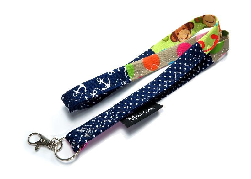 Kleinesbild - Milo-Schaly Schlüsselband lang Patchwork Karabiner Einzelstück Schlüsselanhänger blau bunt Punkte Affen