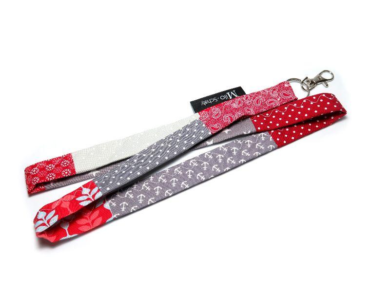 Kleinesbild - Milo-Schaly Schlüsselband lang mit Karabiner Einzelstück Patchwork Schlüsselanhänger rot grau Anker Punkte Blumen Sterne