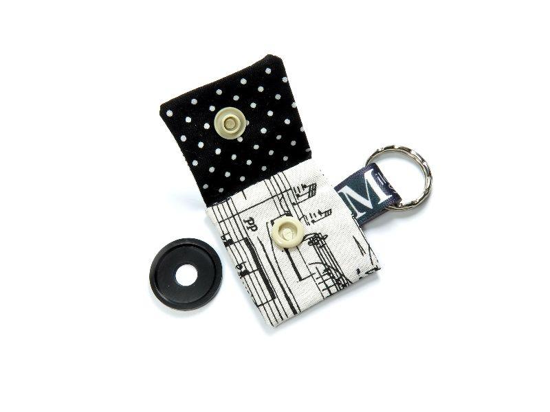 Kleinesbild - Milo-Schaly Einkaufswagenchip Täschchen Musiknoten beige schwarz Schlüsselanhänger mit Chip  Chiptäschchen Musiker Noten