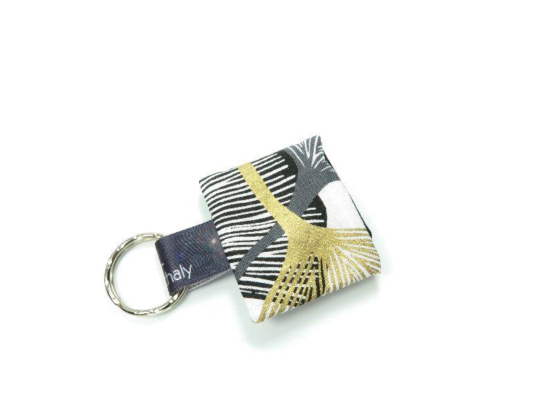 Kleinesbild - Milo-Schaly Einkaufswagenchip Täschchen weiß goldfarben schwarz Schlüsselanhänger mit Chip  Chiptäschchen