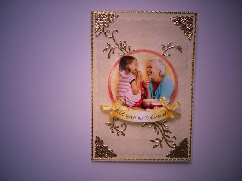- Glückwunschkarte zum Ruhestand für eine Frau in beige/grün - Glückwunschkarte zum Ruhestand für eine Frau in beige/grün
