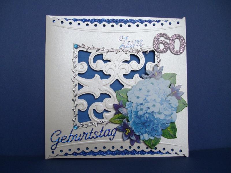 - Geburtstagskarte für eine Frau zum 60 mit blauer Blume - Geburtstagskarte für eine Frau zum 60 mit blauer Blume