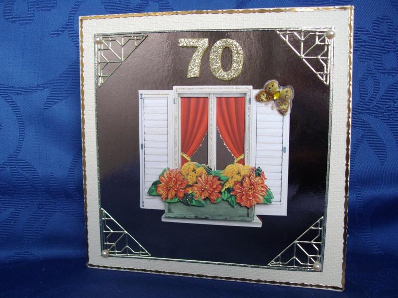- Geburtstagskarte zum 70 für eine Frau mit einem Fenster - Geburtstagskarte zum 70 für eine Frau mit einem Fenster